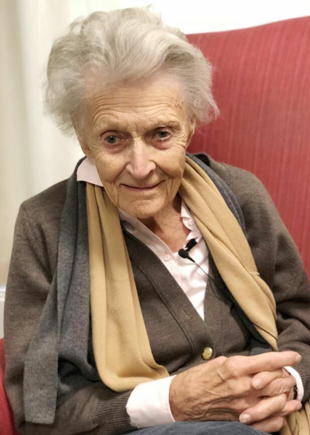 RAGNHILD (92): I sommer fikk Ragnhild besøk av en gammel flamme fra Sverige. Det viser at det aldri er for sent! FOTO: Malini Gaare Bjørnstad
