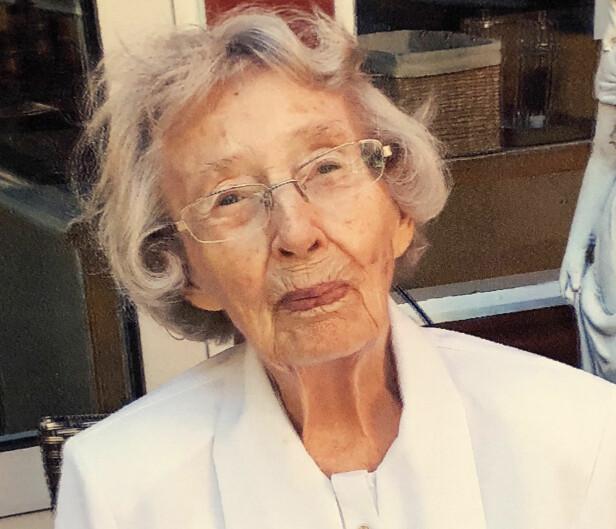 GERD KARI (97): Hun synes det er vanskelig å gi råd til de unge for hun mener at de skal erfare ting i livet selv. FOTO: Privat