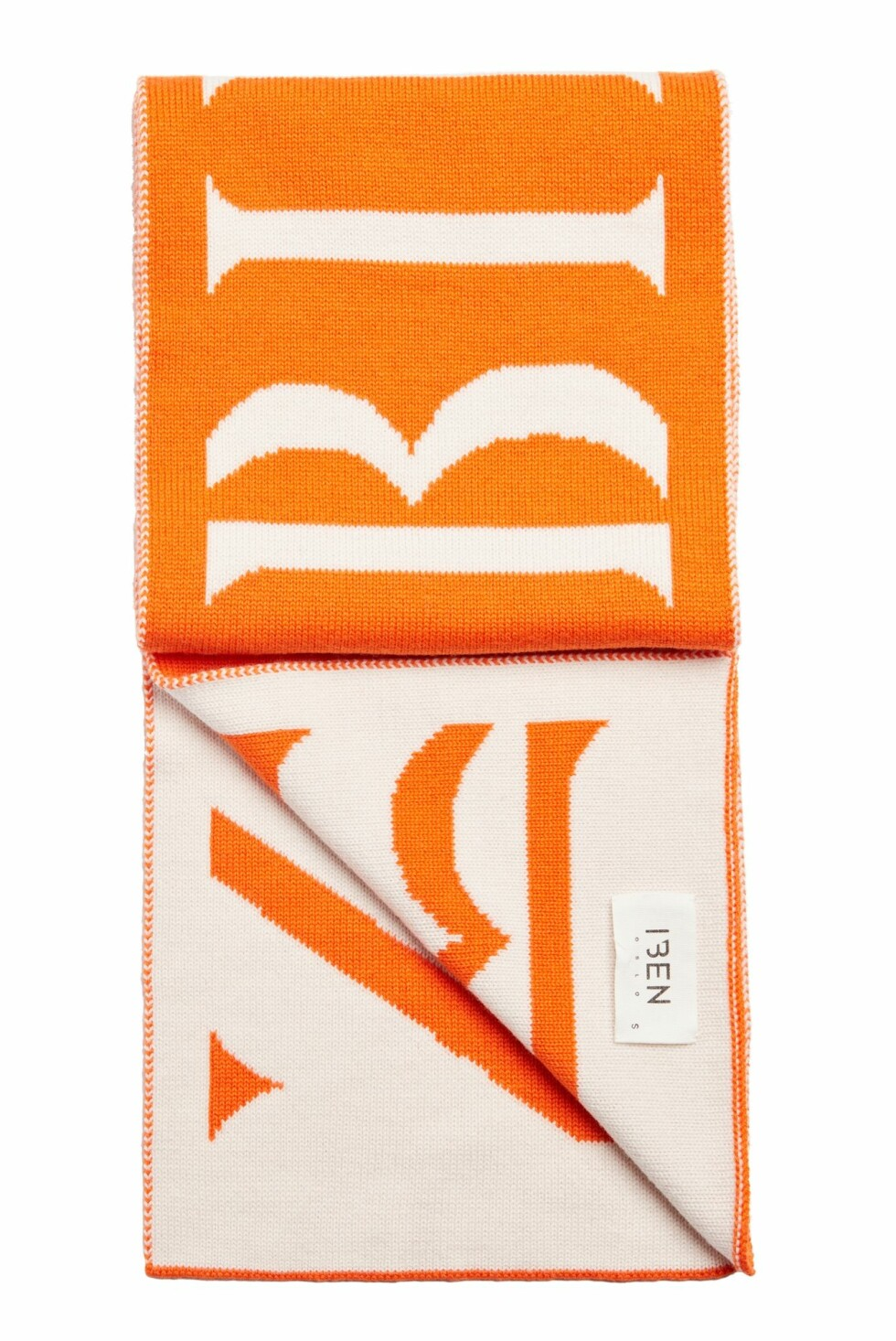 Skjerf fra Iben  1500,-  http://ibenofficial.tictail.com/product/pre-order-mars-scarf