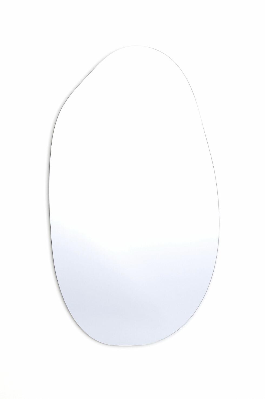 Asymmetrisk, stort speil (kr 999, H&M).