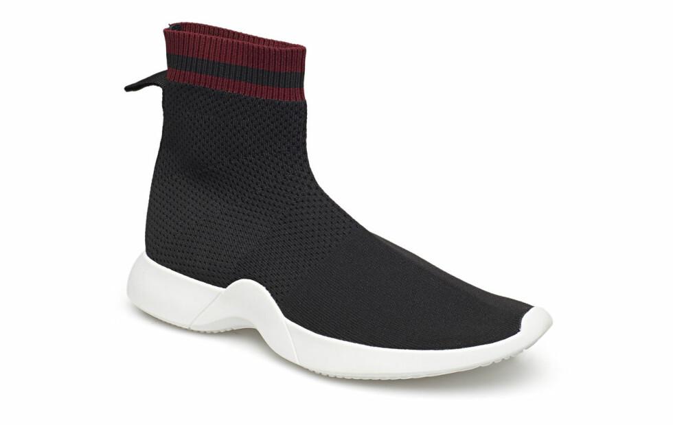 Mango |500,-| https://www.boozt.com/no/no/mango/sole-sock-sneakers_19219629/19219631?path=67362&navId=67362&sNavId=67497&group=listing&position=1000000