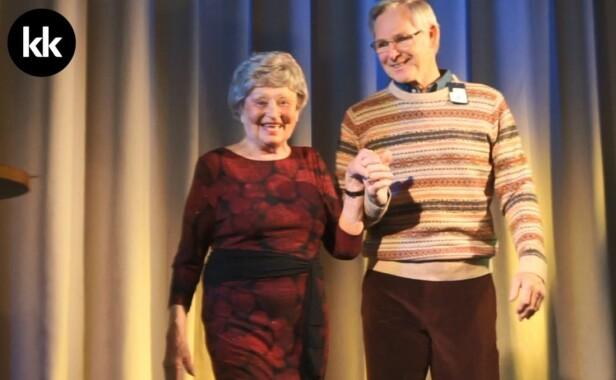 PÅ CATWALKEN: Louise Astad hadde følge av Jon Ziesler som også deltok i moteshowet. FOTO: Angelica Martinsen