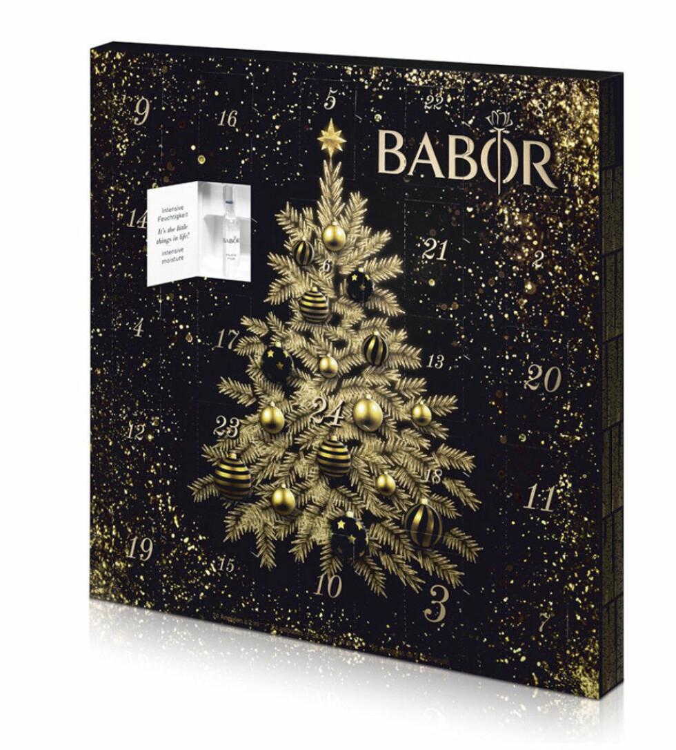 24 ampuller i nøye utvalgt rekkefølge som skal brukes hver dag mot jul (kr 695, Babor, Christmas Calender).