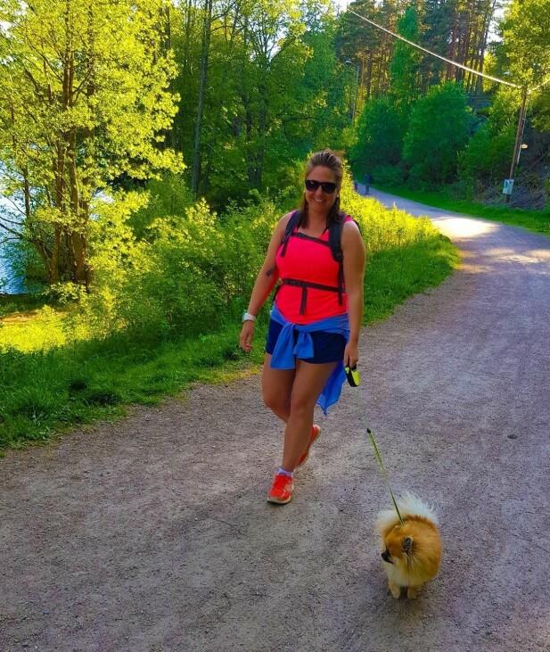 GIKK SEG BEDRE: Helene begynte med små turer på natta, men kom seg så ut i skogen. FOTO: Privat.