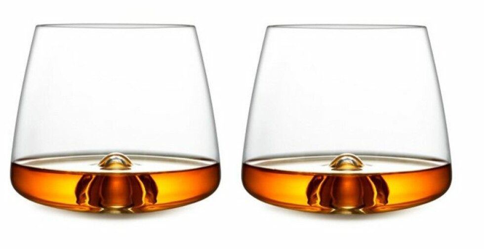 Glass fra Normann Copenhagen |379,-| https://www.hviit.no/products/whiskeyglass-sett-med-2-stk
