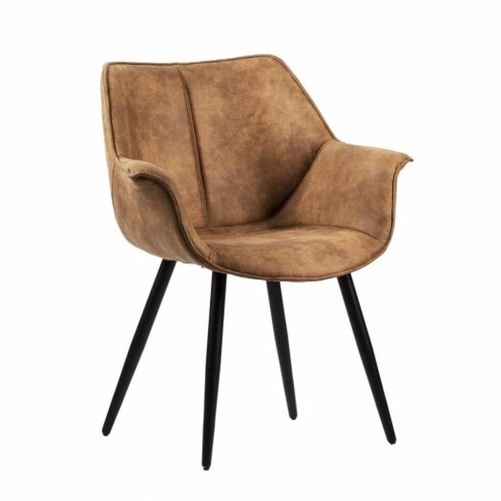 Stol fra Kremmerhuset  2000,-  https://kremmerhuset.no/mobel/stoler-og-krakker/stol-kjetil