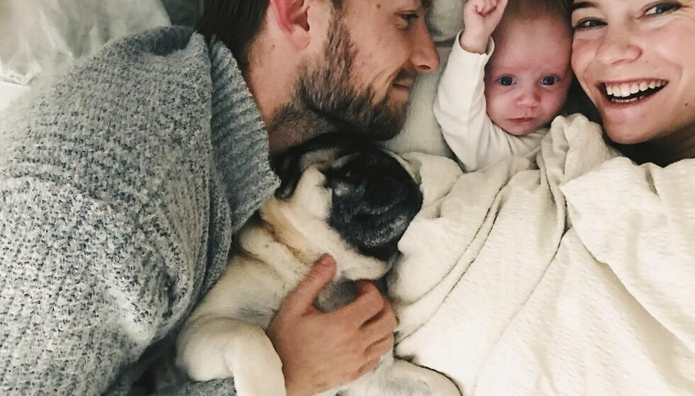 LYKKELIG FAMILIE: Christine forteller at hun aldri har hatt det så fint som hun har det nå, sammen med mann, barn og hund. FOTO: Privat