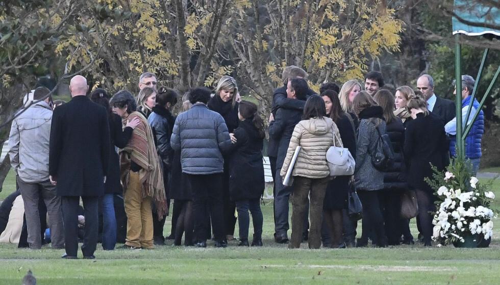 TOK FARVEL: Dronning Maxima var til stede under begravelsen av lillesøsteren Ines i Buenos Aires i Argentina 8. juni. FOTO: NTB Scanpix
