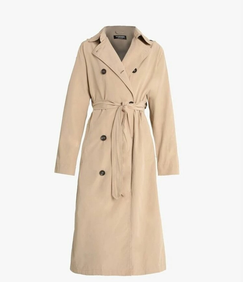 <strong>Trenchcoat fra Fashion Union |750,-| https:</strong>//www.zalando.no/fashion-union-albert-trenchcoat-beige-faa21u005-b11.html