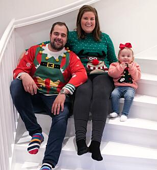FJORÅRETS JULEKORT: - Vi kommer nok til å fortsette å ta julegenserbilde inntil barna ikke vil være med mer og da skal de selvsagt få slippe, sier Camilla. FOTO: Privat