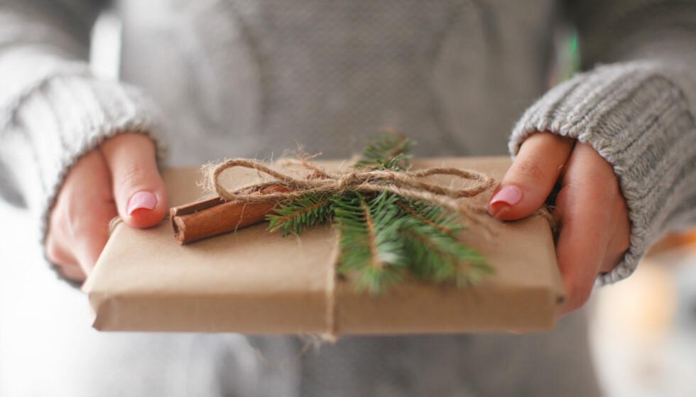 STOR JULEGAVEGUIDE: Har du ikke komme i gang med julegavene ennå? Her får du en rekke tips i flere prisklasser. God shopping! FOTO: NTB Scanpix