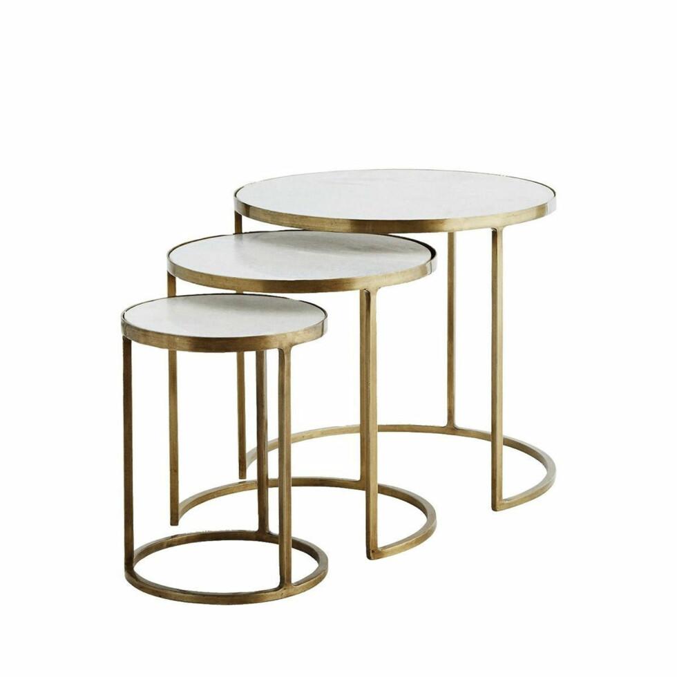 Runde sidebord i tre størrelser (fra kr 700, Madam Stoltz).