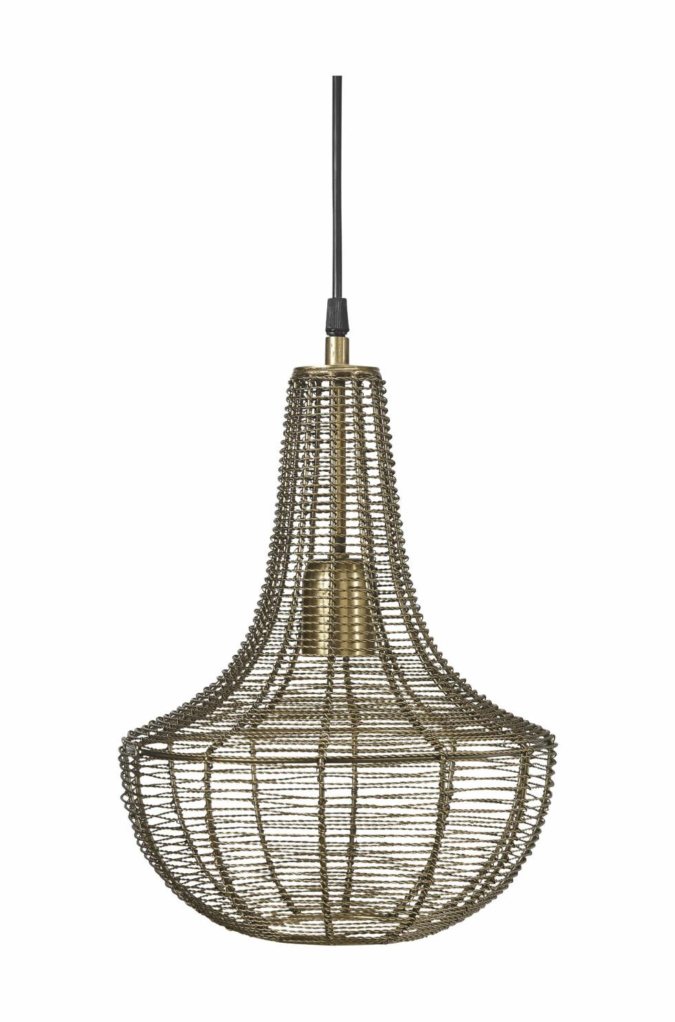 Lampen «Kingstown» mikser det klassiske og industristilen helt perfekt (kr 650, PR Home).