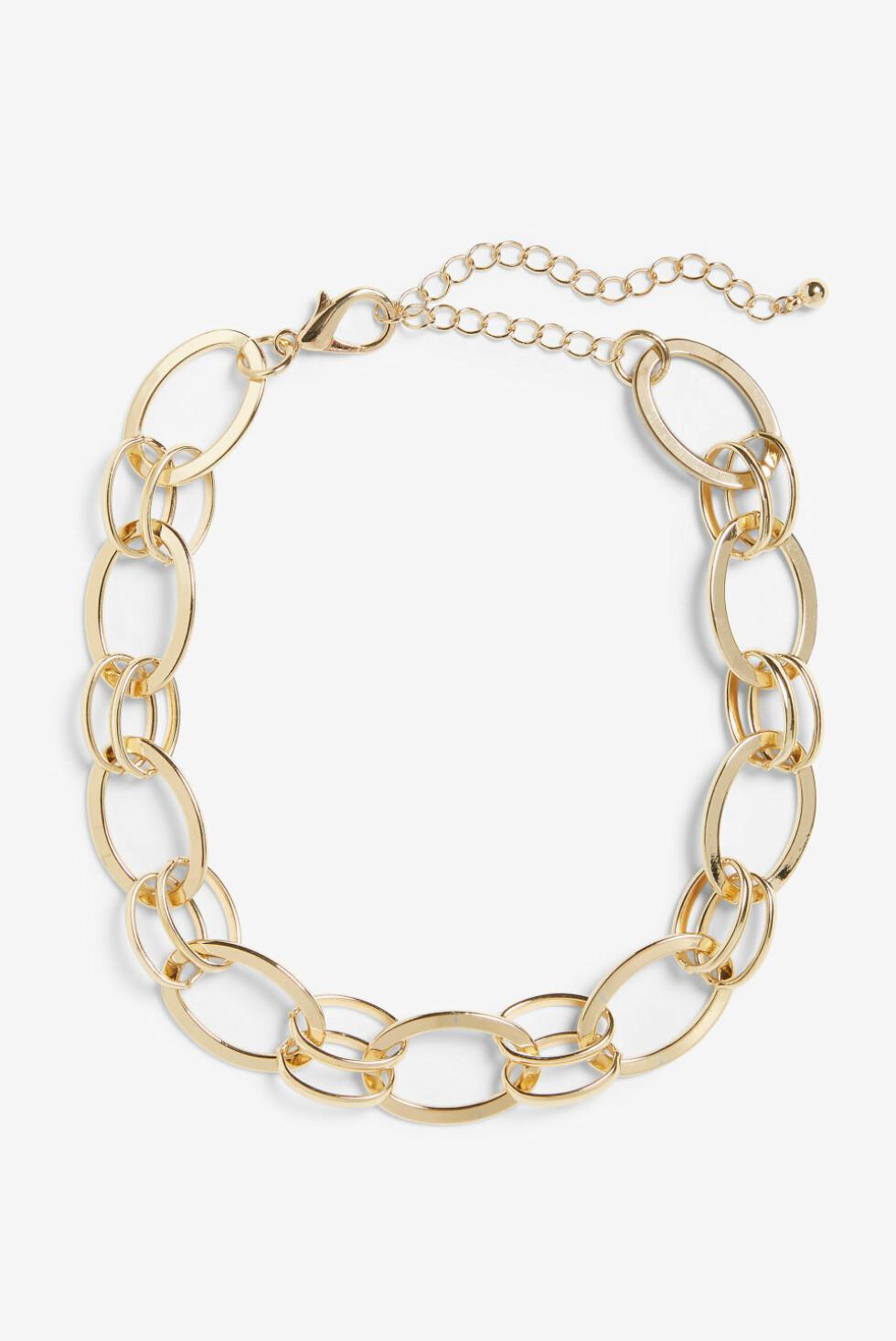 Kjede fra Monki  100,-  https://www.monki.com/en_sek/accessories/view-all-accessories/product.bold-statement-necklace-golden-metallic.0705336001.html