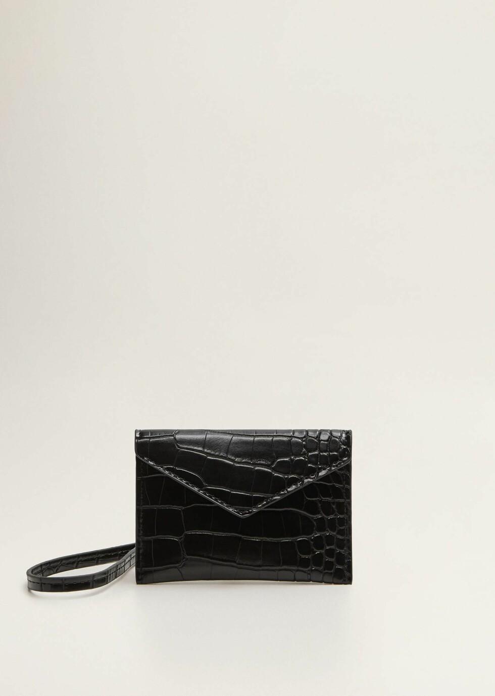 Veske fra Mango  99,-  https://shop.mango.com/no-en/women/bags-mini/purse-mini-bag_33087676.html?c=99&n=1&s=accesorios_she.accesorio;40,340,440