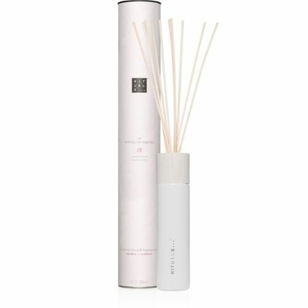 Duftpinner fra Rituals |245,-|https://www.rituals.com/no-no/the-ritual-of-sakura-fragrance-sticks-1104564.html?source=cop
