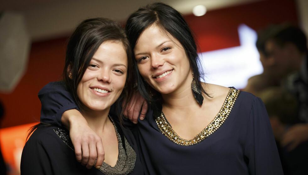 HVERANDRES BESTE VENNER: Til tross for at Kristine og Johanne bor på hver sin kant av landet, holder de kontakten via sosiale medier og drikker ofte morgenkaffe sammen via Skype. FOTO: NTB Scanpix