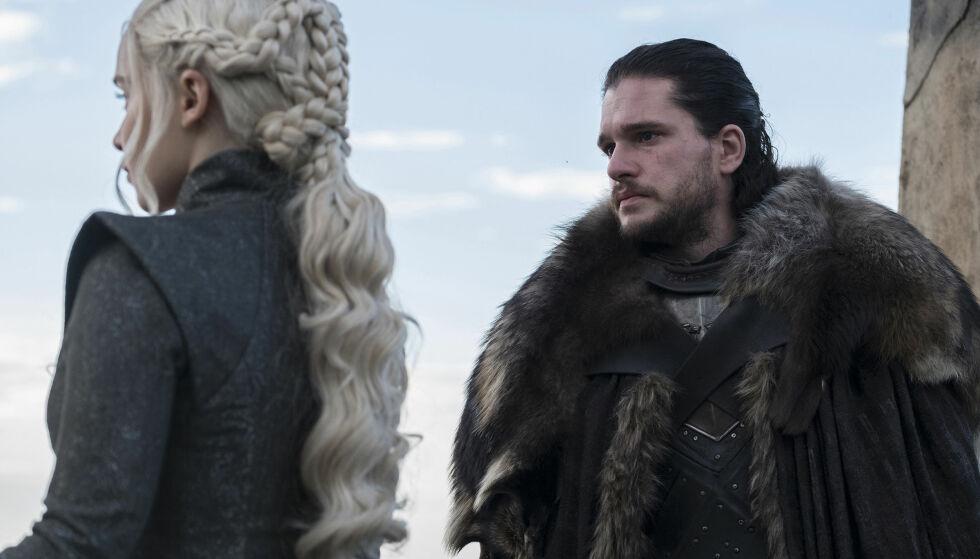 PUBLIKUMSFAVORITTER: Daenerys Targaryen og Jon Snow er to av karaktene fansen må ta et endelig farvel med i åttende «Game of Thrones»-sesong. FOTO: HBO