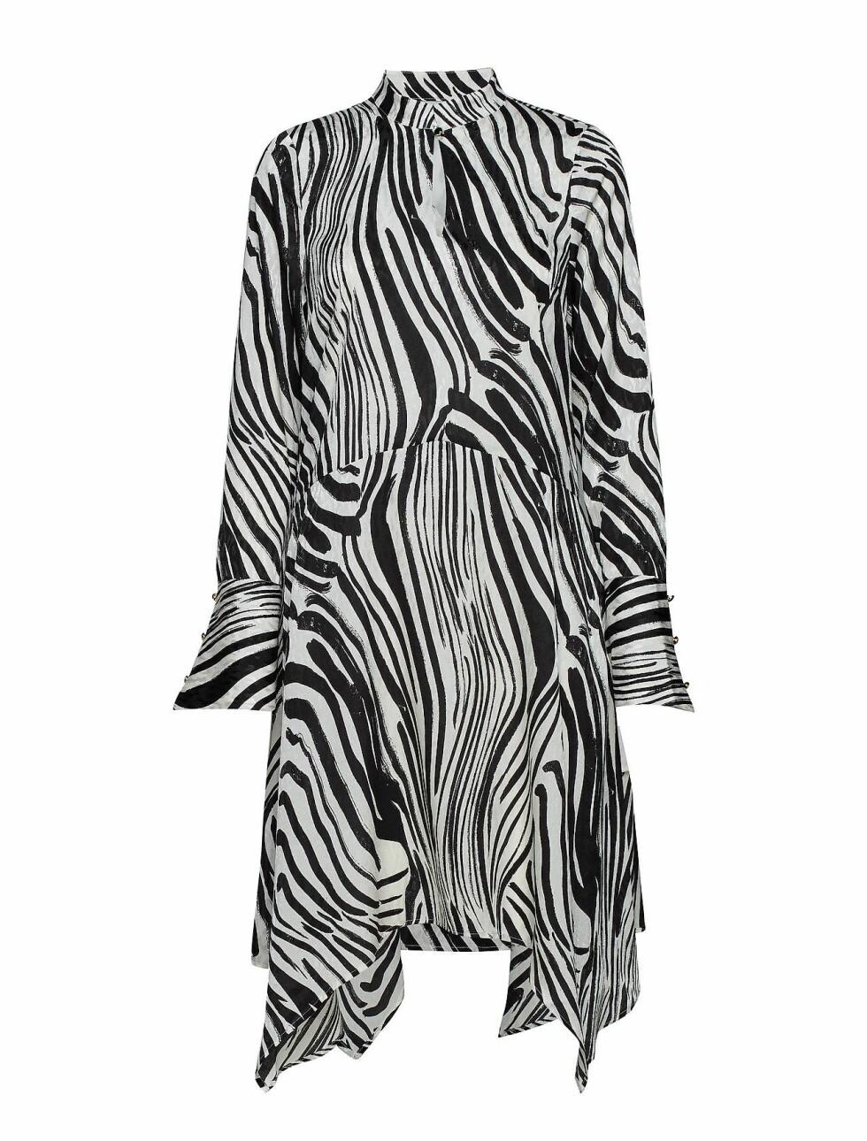 Kjole fra Gestuz |1800,-| https://www.boozt.com/no/no/gestuz/siwra-dress-so19_18644816/18644824?path=67362&navId=67362&sNavId=67378&group=listing&position=1000000
