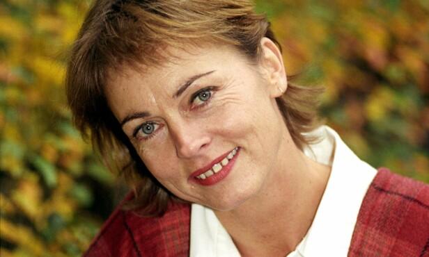 FOLKEKJÆR: Skuespiller Minken Fosheim var opptatt av å sørge for at barn og unge ble underholdt - og lærte seg kunsten å underholde selv. Derfor etablerte hun Minkens Barne- og Ungdomsteater på begynnelsen av 90-tallet. FOTO: NTB Scanpix