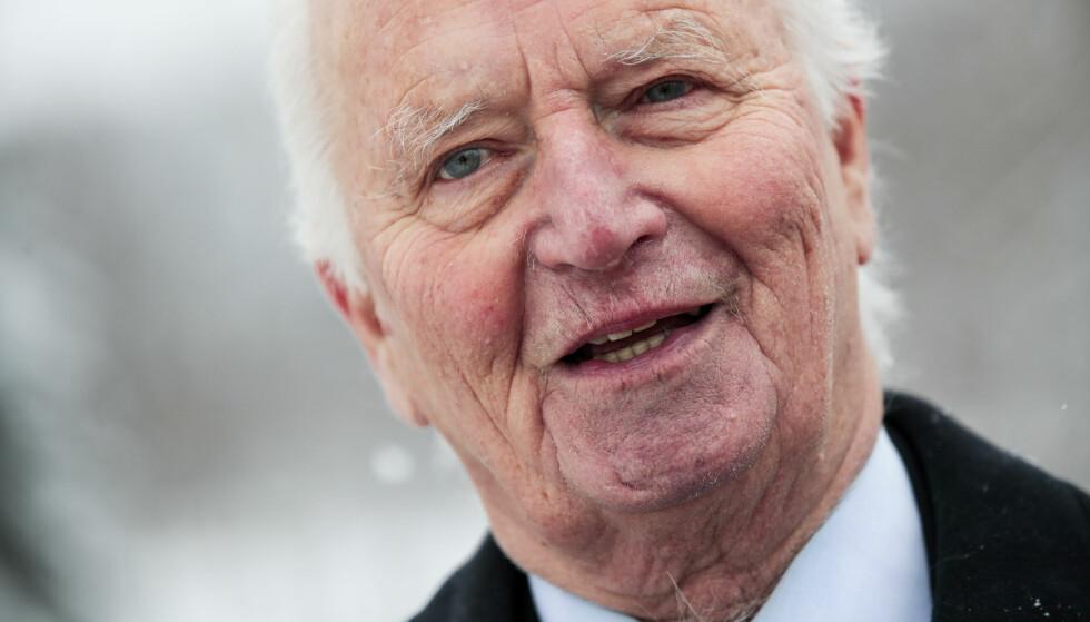 EN BAUTA: 13. juli 2018 gikk Thorvald Stoltenberg bort i en alder av 87 år. Han var en høyt beundret og respektert politiker. FOTO: NTB Scanpix