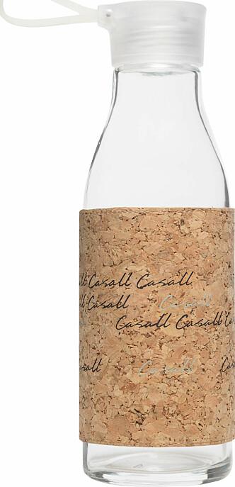Flaske fra Casall |249,-| https://thejuice.no/product/tilbehor/casall-eco-glass-bottle-06l/