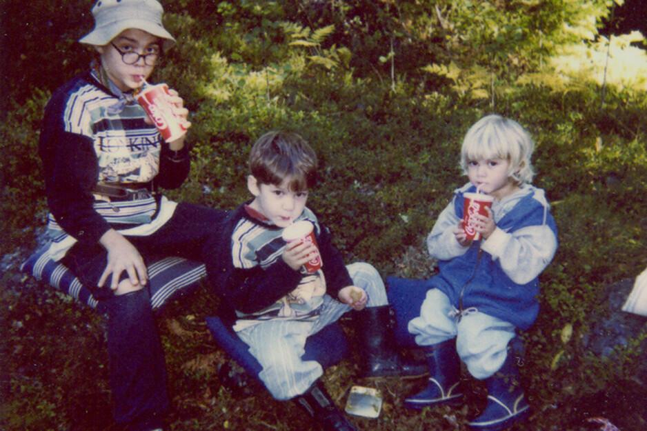 DELTE SAMME SYKDOM: Wille, Hugo og Emma hadde den samme, dødelige sykdommen som ingen klarte å kurere. FOTO: Privat