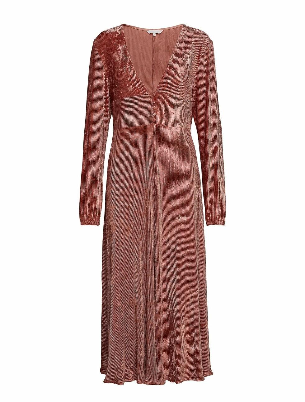 Kjole fra Aeryne |1695,-| https://www.boozt.com/no/no/aeryne/lilou-dress_19718718/19718719?path=67362&navId=67362&sNavId=67453&group=listing&position=1000000