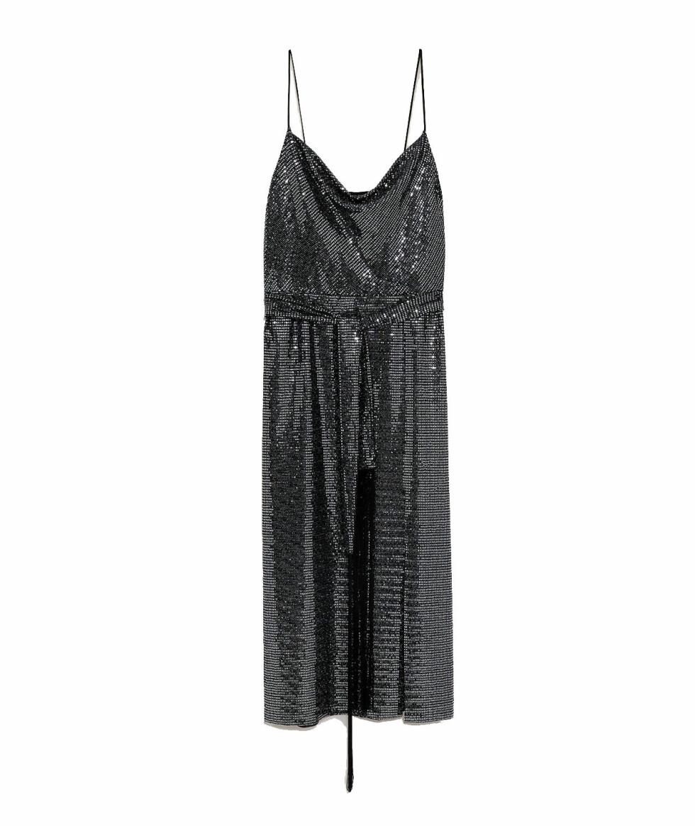 Kjole med stropper fra Zara |550,-| https://www.zara.com/no/no/kjole-med-glans-og-belte-p00387172.html?v1=8208483&v2=1074622