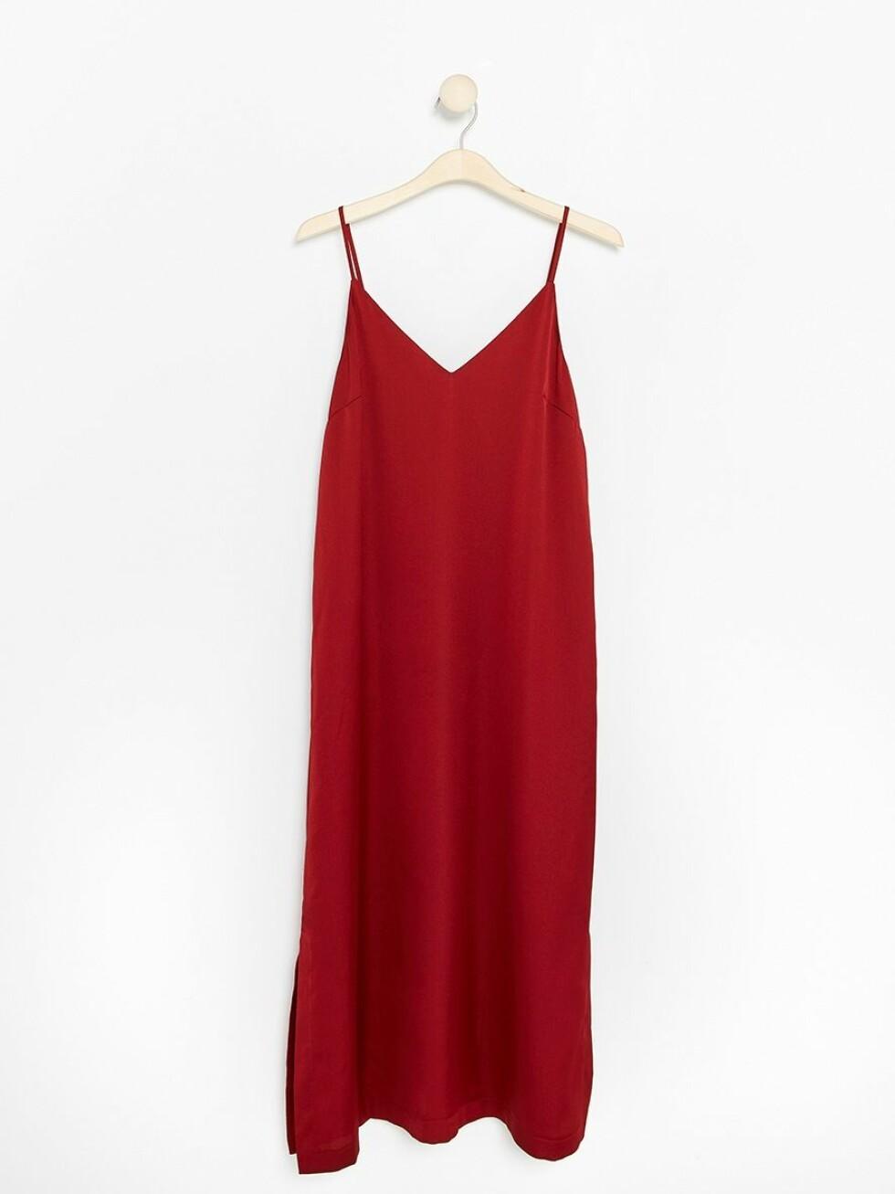 Kjole fra Lindex |299,-| https://www.lindex.com/no/dame/overdeler/kjoler/7801956/Ermeloes-kjole/