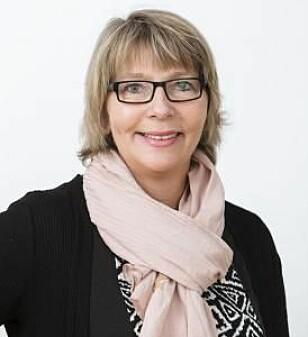 VÆR PERSONLIG UTEN Å BLI FOR PRIVAT: Ifølge Marit Rønning Lund er sykdommer og slankekurer to temaer vi helst bør styre unna på årets julefester. FOTO: Privat