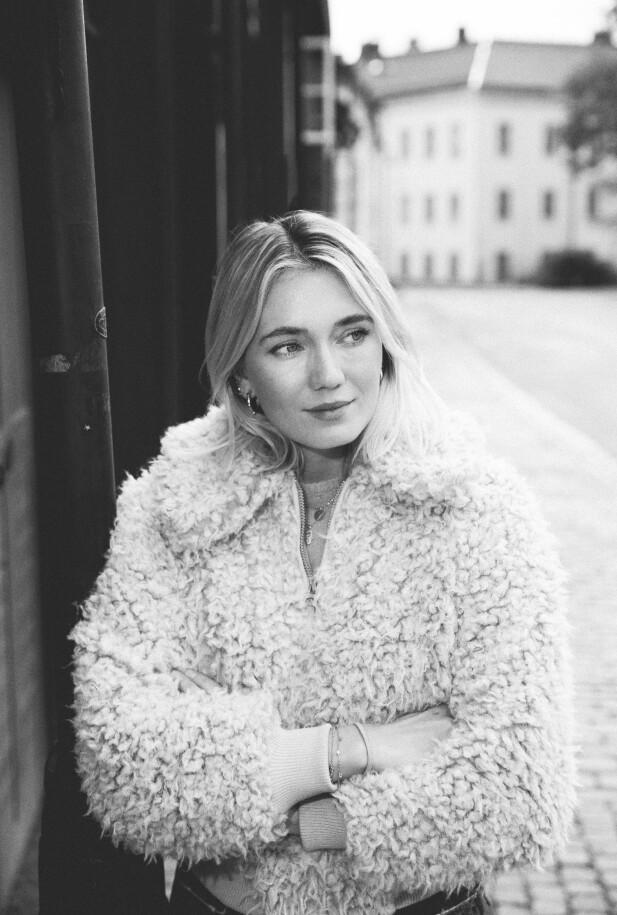 – Til terapeuten gikk jeg mest for å få gråte i en time og få masse oppmerksomhet og bekreftelse, sier Josefin. FOTO: Rickard L. Eriksson