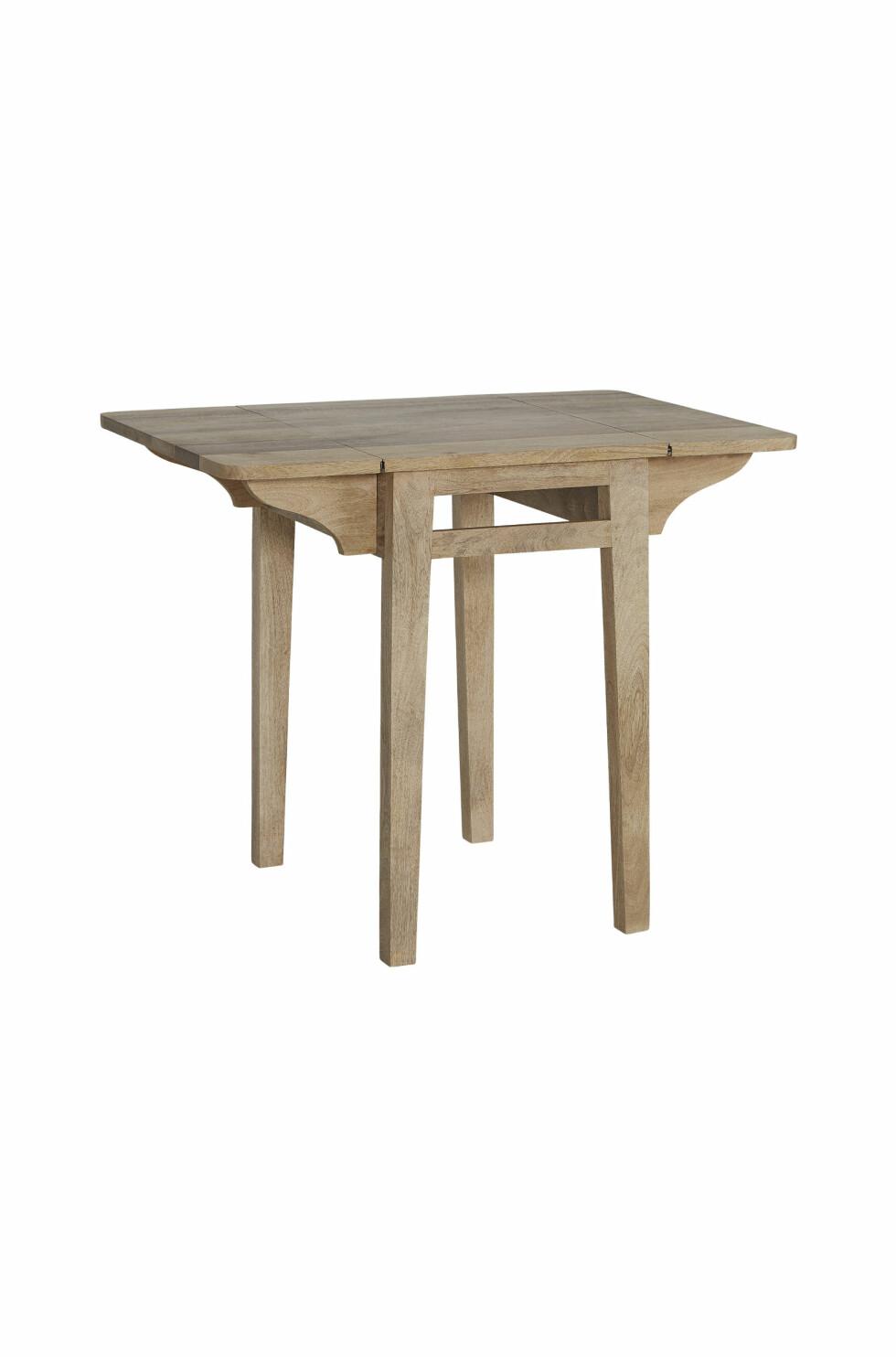 Klaffebordet «Derri» er av mangotre (kr 1800, Ellos Home).