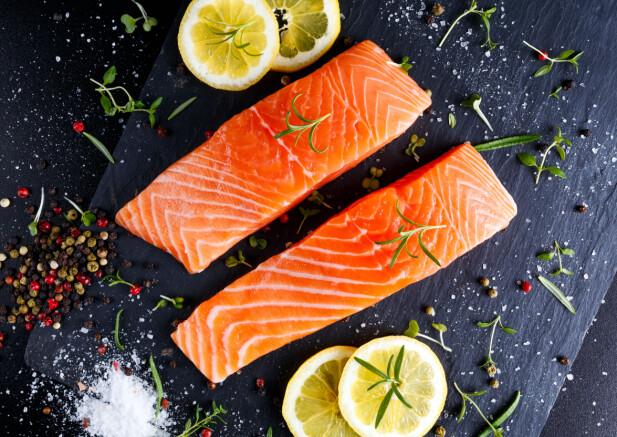 MINDRE FISK ENN FØR: Ekspertene tror det er 3 grunner til at vi spiser mindre fisk i dag enn for 10 år siden. FOTO: NTB Scanpix