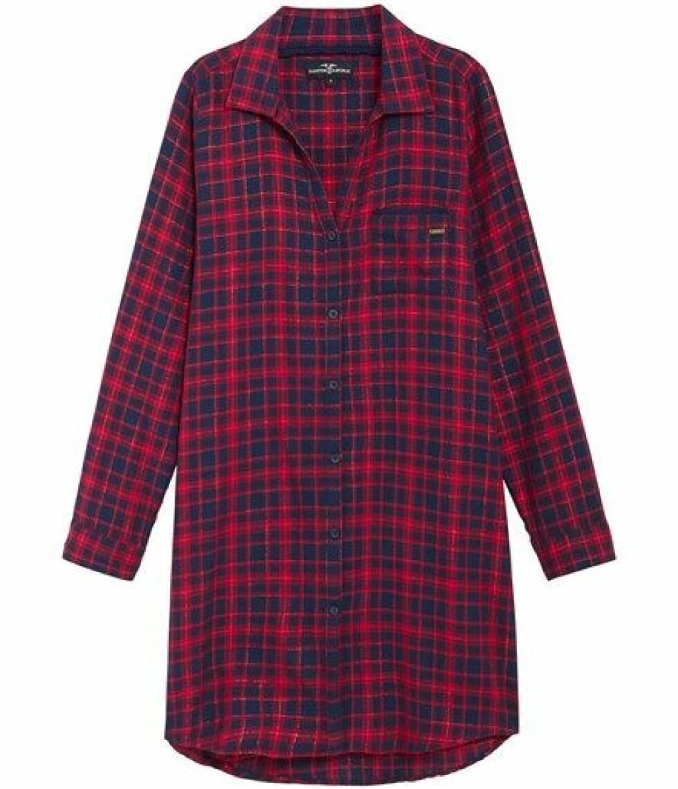 Nattskjorte fra Kappahl |249,-| https://www.kappahl.com/nn-NO/dame/Sove-koseplagg/pyjamas/pyjamasskjorte/567925