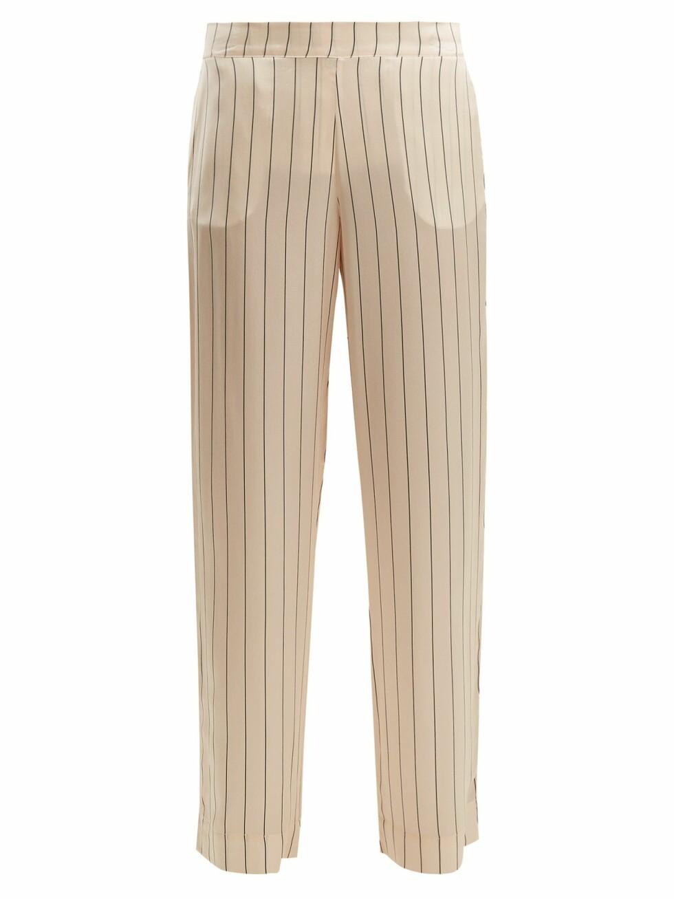 Bukse fra Asceno |1180,-| https://www.matchesfashion.com/intl/products/Asceno-Striped-silk-pyjama-trousers--1190165