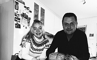 Far og datter reiser fra Trøndelag til Oslo for å lage jul for andre