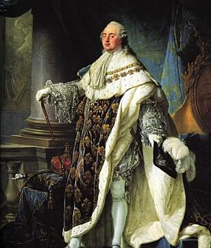 PYNTET TIL TRENGSEL: Kong Ludvig den 16. var en mann som åpenbart likte å bruse med strutsefjærene. FOTO: Wikipedia/skjermdump.