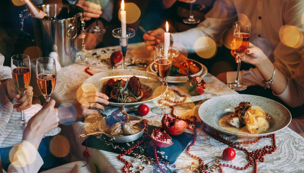 ALKOHOL: I julen blir det for noen mer alkohol enn vanlig, noe som kan gi både halsbrann og ha negativ effekt på hjertet. FOTO: NTB Scanpix