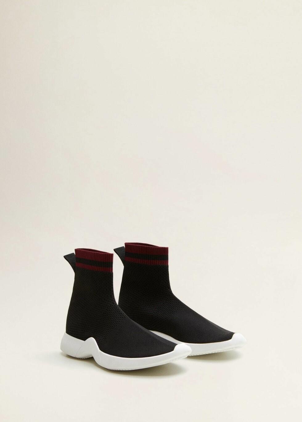 Sko fra Mango |299,-| https://shop.mango.com/no-en/women/shoes-sneakers/sole-sock-sneakers_33075761.html?c=99&n=1&s=Rebajas_she.accesorio;42,342,442