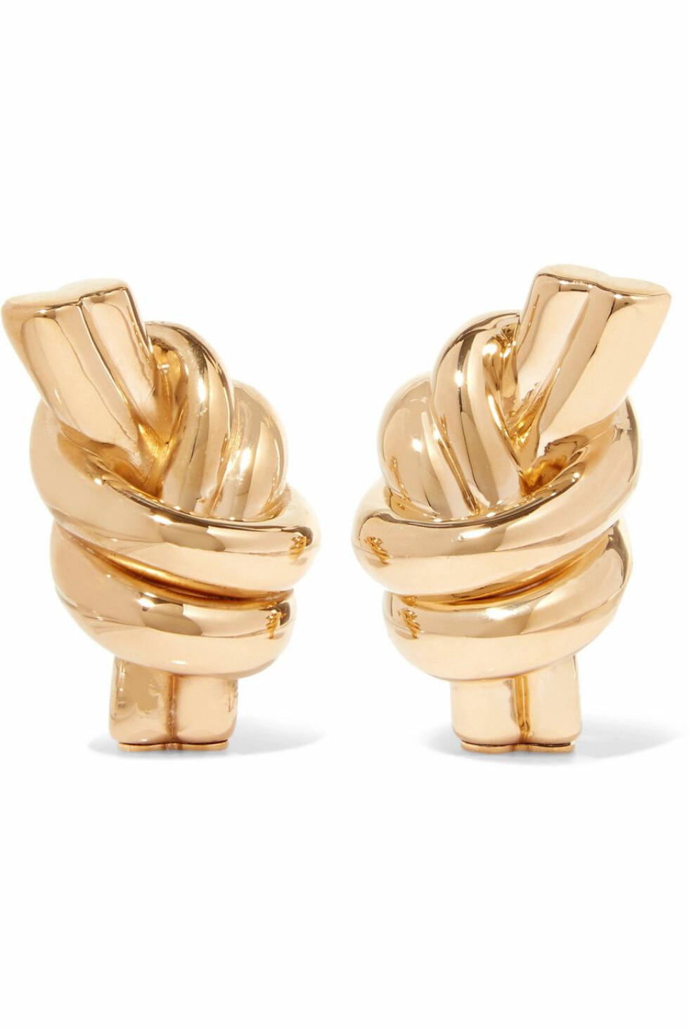 Øredobber fra JW Anderson |1700,-| https://www.net-a-porter.com/no/en/product/1069076/jw_anderson/gold-plated-earrings