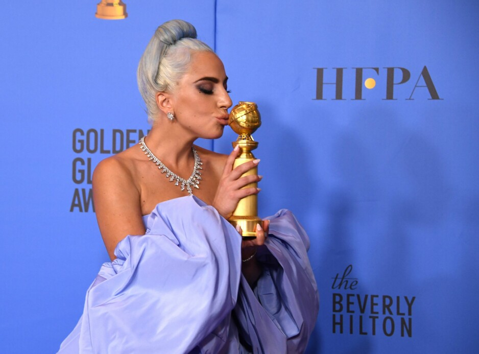GOLDEN GLOBES: Lady Gaga vant ikke pris for sine skuespillerprestasjoner, men sangen «Shallow» fra «A Star Is Born» fikk en Golden Globe i natt. Foto: Scanpix