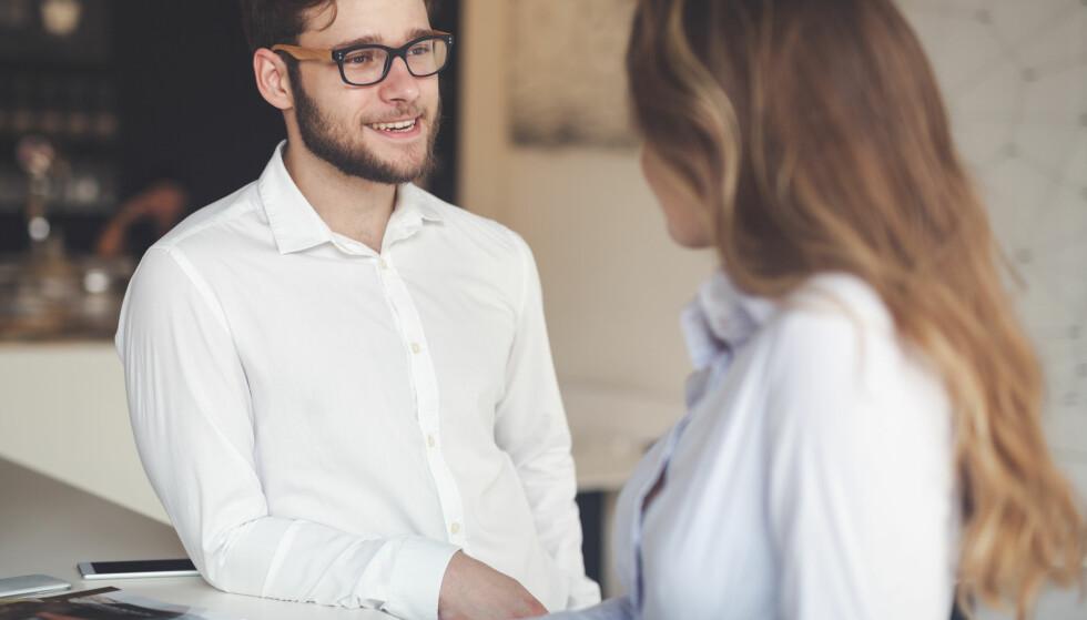 MANSPLAINING: Det ligger i de sosiale kjønnsrollene at menn oftere forventes å ta en ledende rolle, være den som har greie på ting og vet best. FOTO: NTB Scanpix