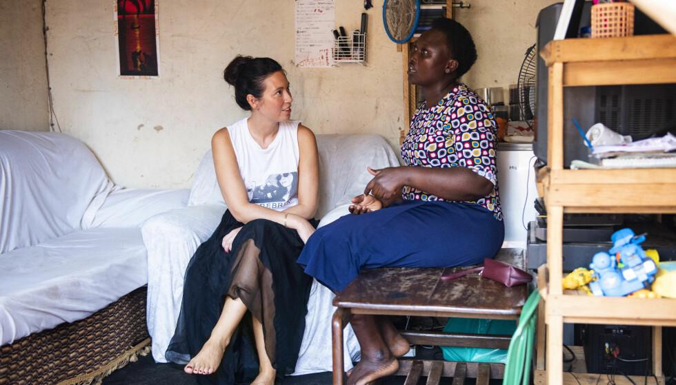 TAKKNEMLIG: Noe Nina ble mest overrasket over da hun var i Uganda, var hvor takknemlige disse kvinnene var for hver dag. FOTO: Mona Nordøy