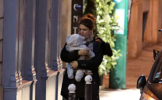 Hevder Charlotte Casiraghi avbrøt forlovelsen åtte uker etter fødselen - nå langer tobarnsmoren ut mot sladderpressen