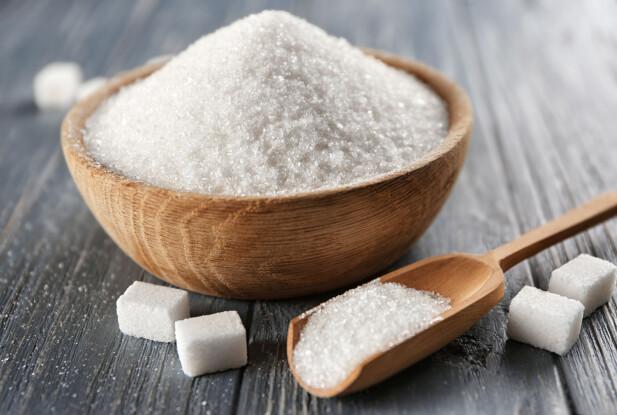 SUKKER: Det vanlige bordsukkeret består av en sammensetning av fruktose og glukose. FOTO: NTB Scanpix