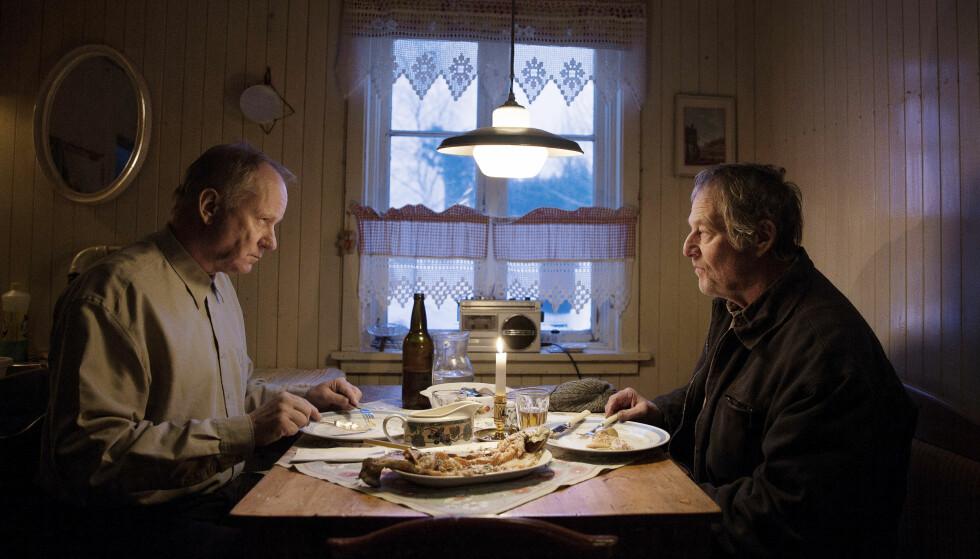 HOVEDROLLER: På rollelisten finner vi Stellan Skarsgård og Bjørn Floberg (t.h). FOTO: 4 1/2 og Nordisk Film
