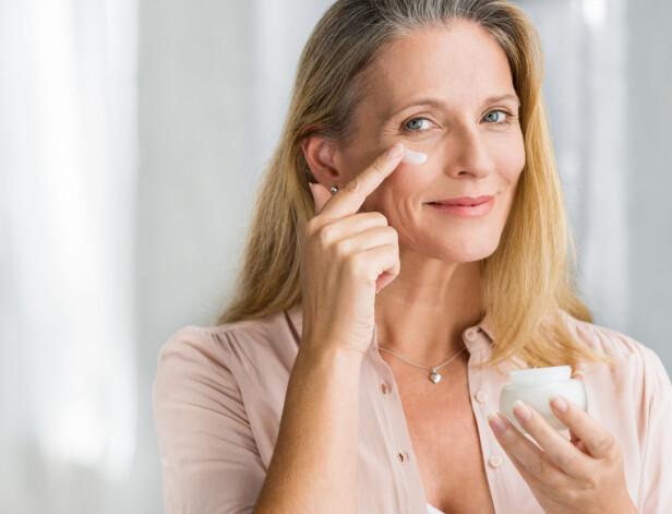 IKKE GLEM ET SERUM: Ifølge eksperten er det hudens kraftverk og ditt daglige multivitamin. Foto: Scanpix