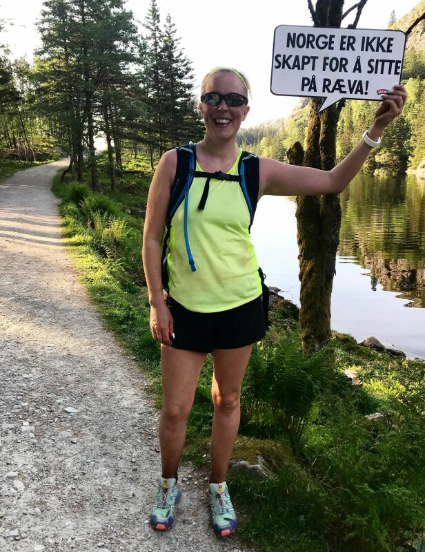 AKTIV: Julie Hole er en aktiv dame, men etter to fødsler har urinlekkasjene lagt en klar begrensning på aktivitetene. FOTO: Privat