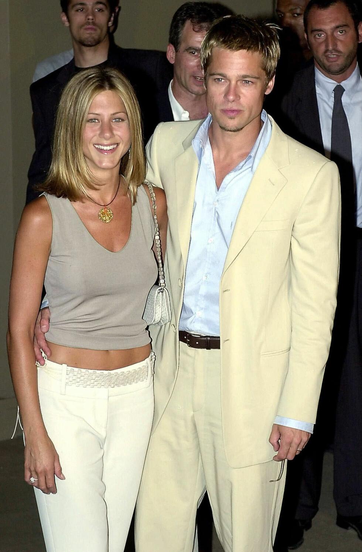Jennifer Aniston og hennes tidligere ektemann Brad Pitt i 2001. Foto: NTB Scanpix